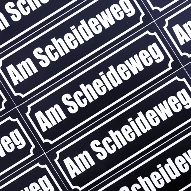 Merch Sticker Scheideweg Blau weiß